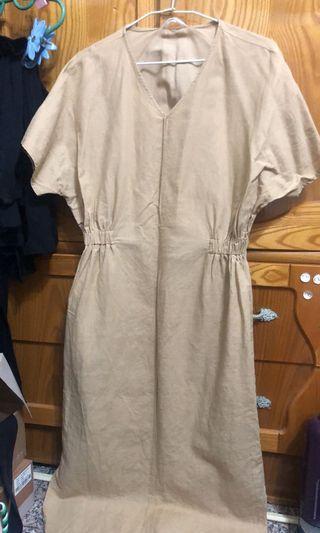 麻料駝色洋裝