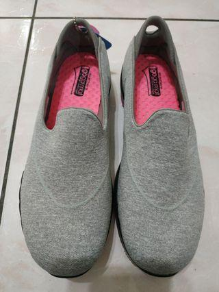 SKECHERS休閒鞋