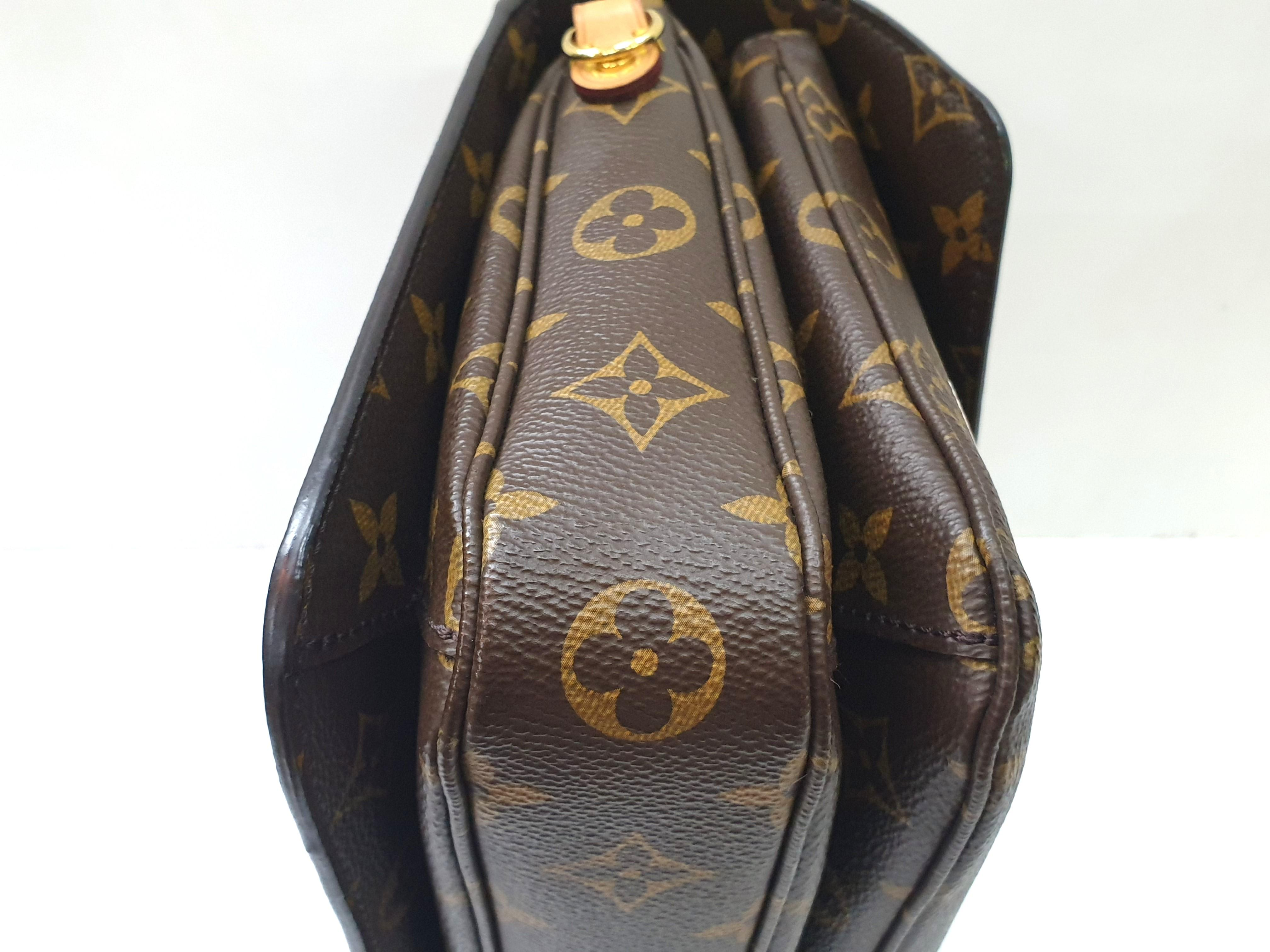 Authentic Ltd Edition Louis Vuitton Pochette Metis M43991 {{Only For Sale}}**No Trade**{{Fixed Price}}**定价**