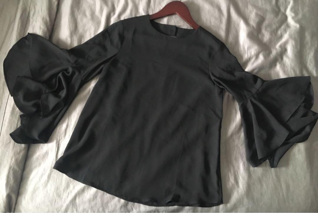 NWT, Suzy Shier, black top with flared/ bell sleeves