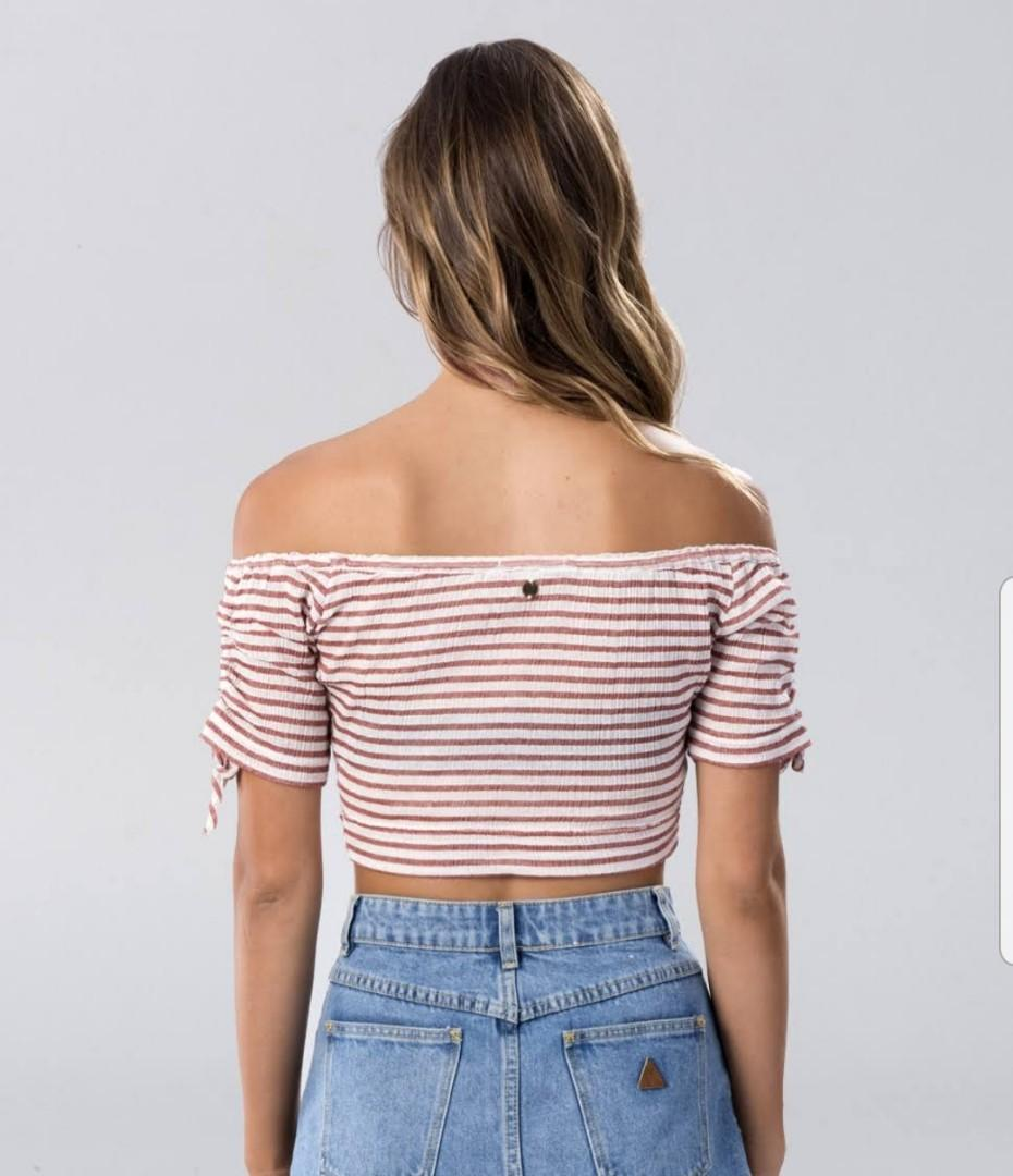 BNWT Billabong Crop Top - Size 12: Free Shipping when you purchase 2 or more of my items