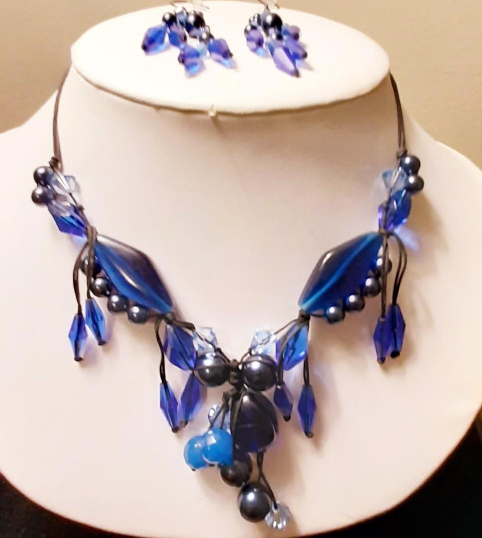 Gorgeous And Vibrant Fifth Avenue Collection Jewelry Set!