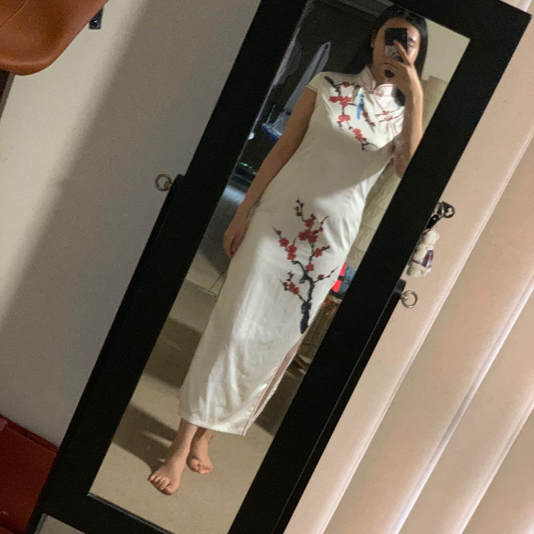 BUY/ RENT White Silk Qi Pao Chinese Style Formal Dress