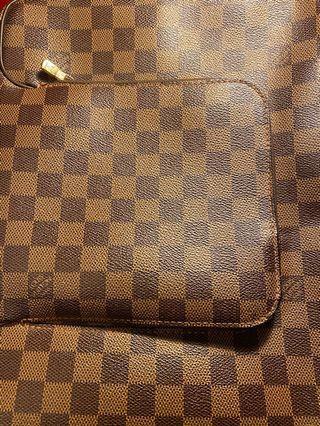 Lv棋盤格正品大側肩包(別的平台已售出)