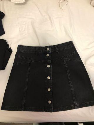 Topshop black denim skirt size 6