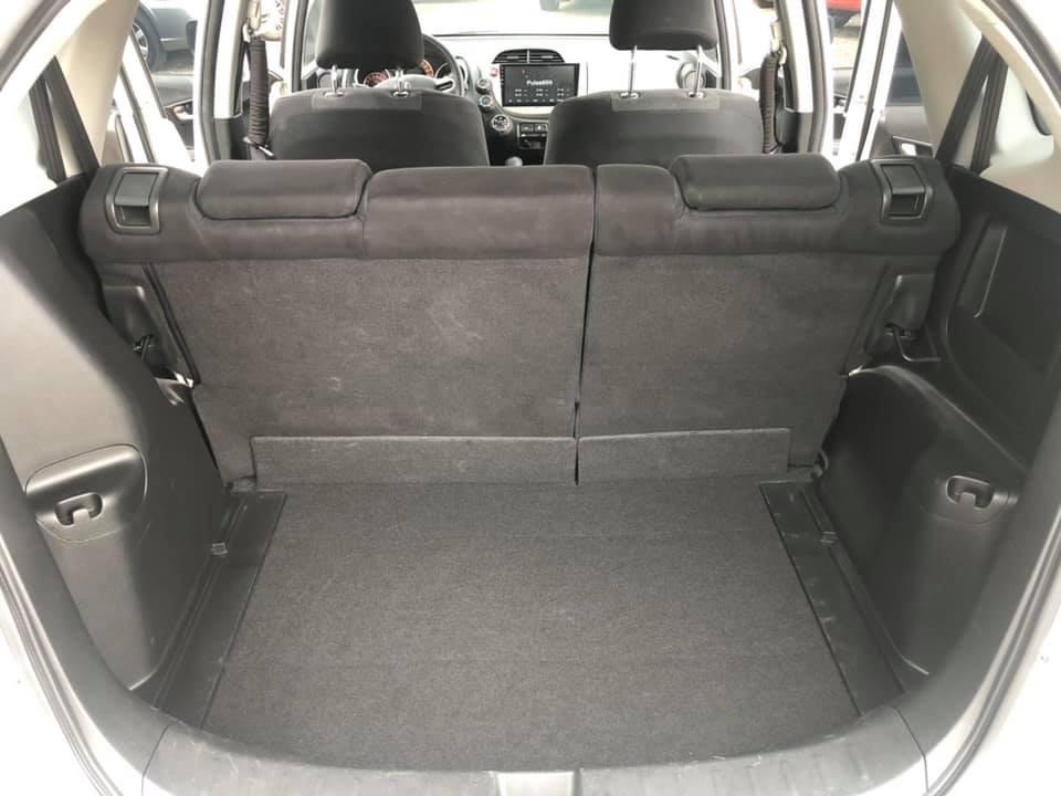 認證車 2009年 1.5 白色頂級 FIT 實跑12萬公里 影音系統 換檔撥片 ABS 雙安 倒車題影 GPS MP3