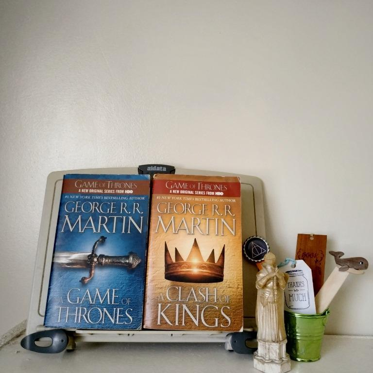 A Game of Thrones (A Song of Ice and Fire #1)  & A Clash of Kings (A Song of Ice and Fire #2) by George R.R. Martin (SET)