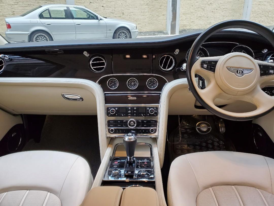 Bentley Mulsanne 6.8 (A)