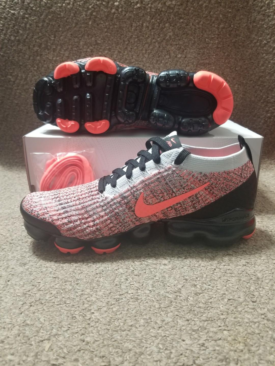 BRAND NEW Air Vapormax Flynit 3 Size 9 (Negotiable)