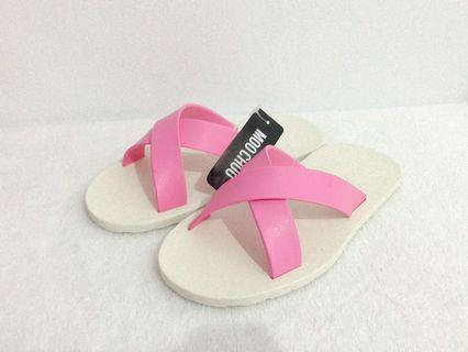 MOO CHUU 女鞋 / 交叉粉紅白底 - 我是小公主