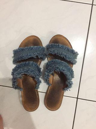 Sandal Jeans