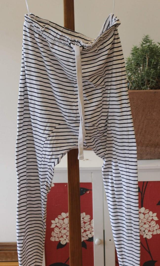 The Fifth Label: XS White Low Crotch Baggy Pants {EUC}