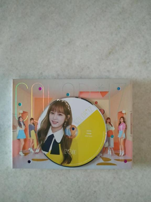 WTS/WTT IZONE photocards and album. Yena color n sapphire version to Eunbi color n sapphire version