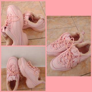 Sepatu FILA pink wanita no 38