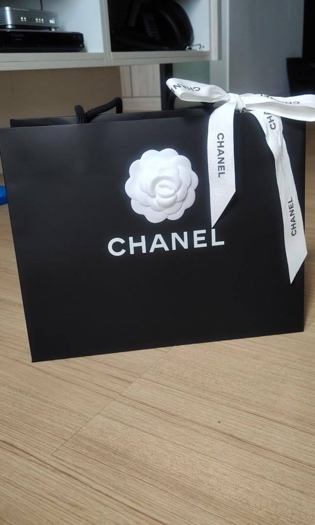 💯AUTHENTIC CHANEL paper bag medium size for woc wallet on chain paperbag camelia ribbon