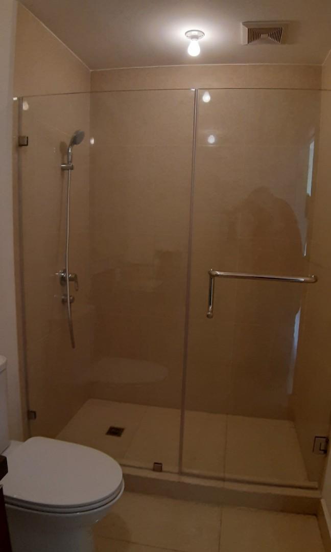 Frameless Shower Enclosure Furniture, Fiberglass Shower Stall With Glass Door