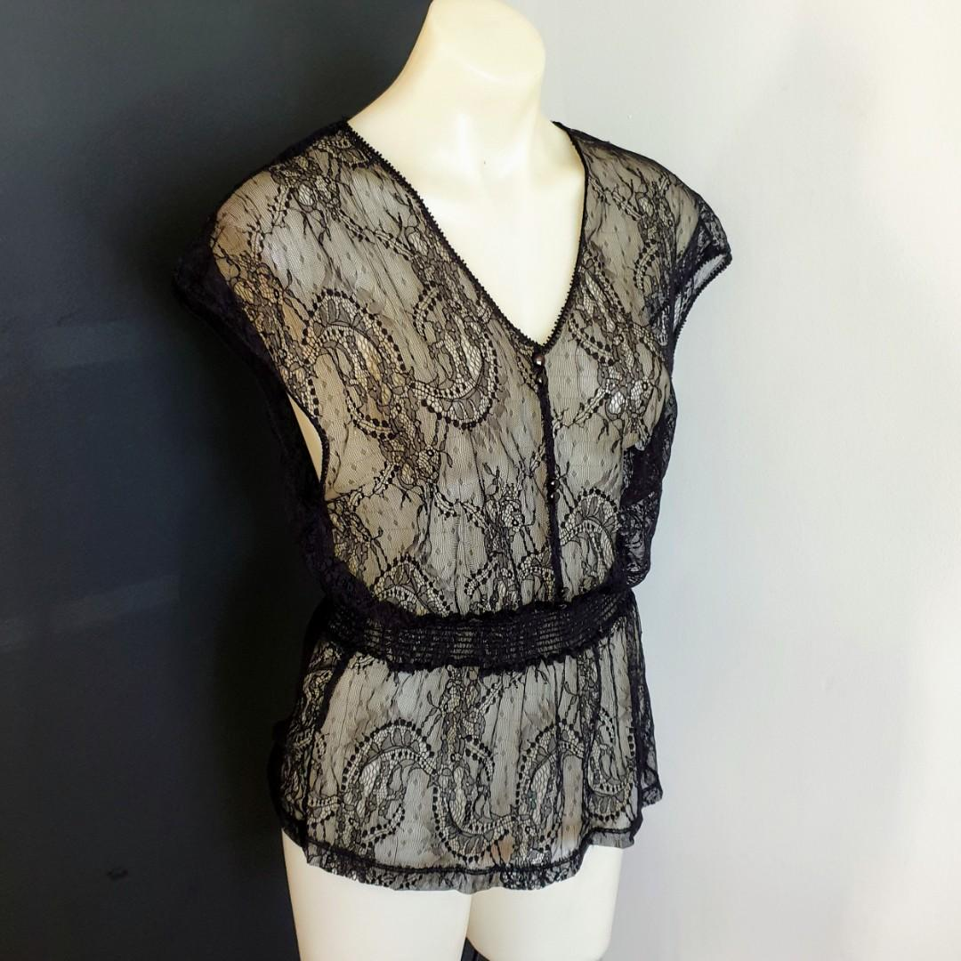 Women's size 8 'GLASSONS' Stunning black sheer lace top - AS NEW