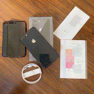 iPhone 8 Plus 64GB Space Gray Globe