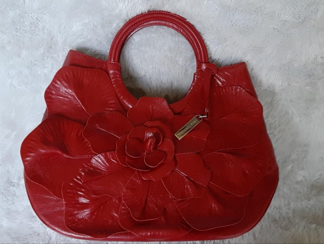 Authentic Anne Fountaine Italy Red Flower handbag.. Sweet and classy bag💗🌺🛍 Preloved bag in Very Good Condition- Pristine