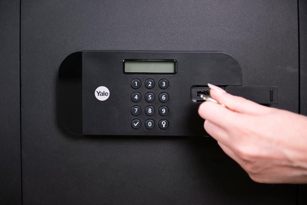 Yale Latest High-Security Office Safe ~  Model: YSEB/400/EB1 ~ 100% New Product (Ready Stock)