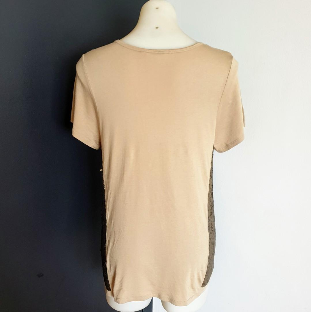 Women's size M 'SEED HERITAGE' Gorgeous khaki T-shirt sequins on sides - AS NEW
