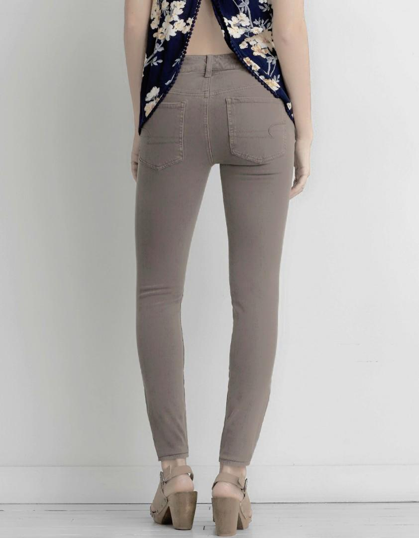 AMERICAN EAGLE 360° SUPER STRETCH JEGGING SIZoE 4 REGULAR- MID RISE TAUPE