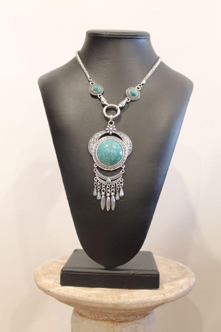BNWT Silver Chain w/ Turquoise Blue Crystal Pendant