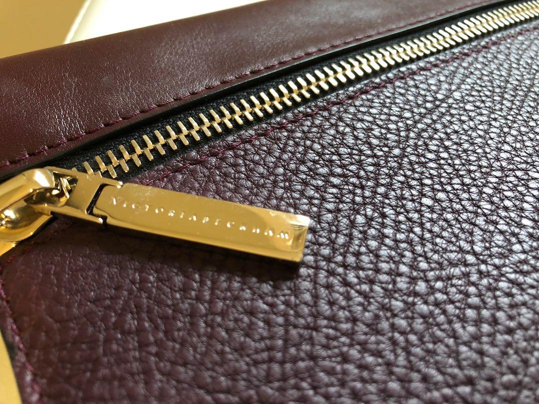 Victoria Beckham Oversized Pebble Leather Clutch - Aubergine