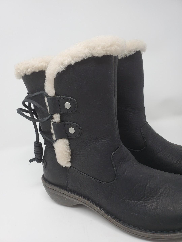 BNWOT - UGG Sheepskin Lined Leather Black Boots - Sz 5