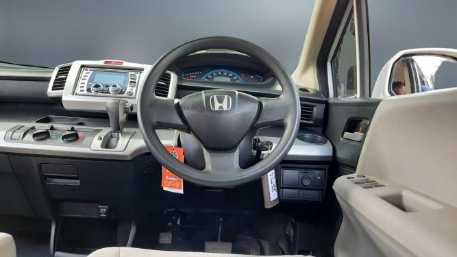 Honda Freed SD AT 2010 Putih, Dp 19,9 Jt, No Pol Genap PAKET WARRANTY SMART