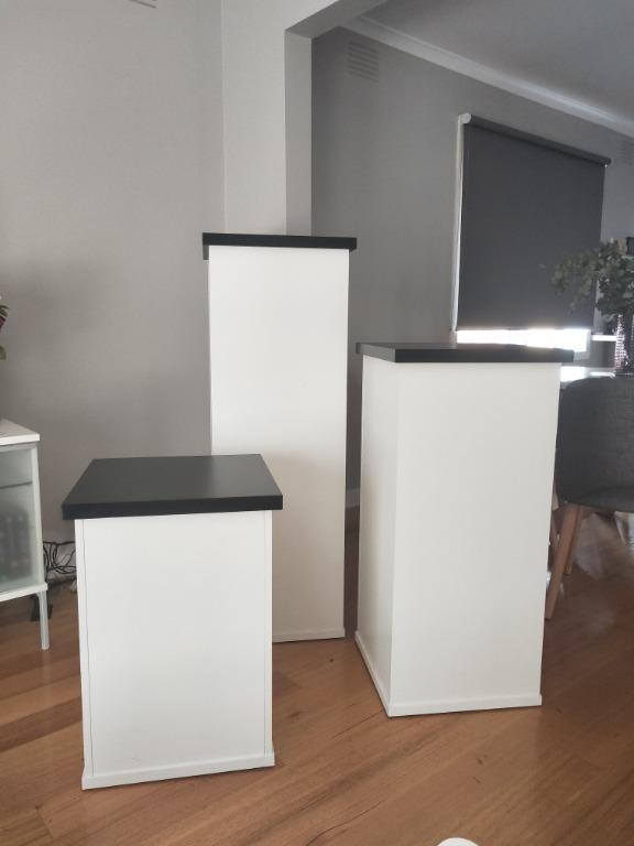 WHITE/BLACK PLINTHS FOR HIRE | FOR YOUR NEXT EVENT! (CAKE STANDS)