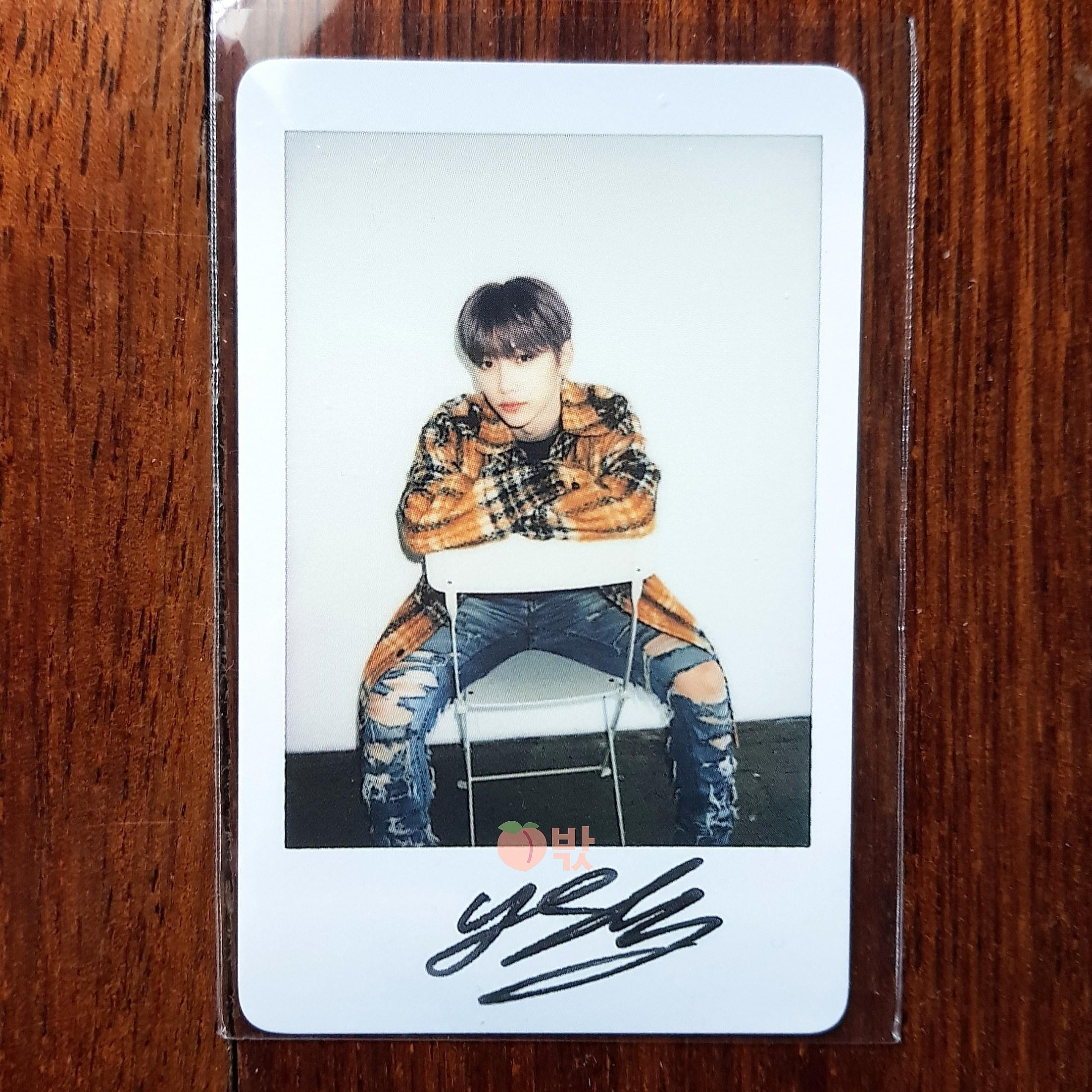 [Ready Stock] Stray Kids World Tour 'District 9 : Unlock' in Seoul Official Goods (Felix: L Holder + Polaroid]