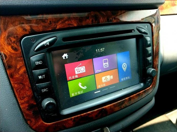 04年 Benz 賓士 Viano 銀 3.7 頂級豪華多功能休旅車 雙天窗 滑門 多功能座椅變化 全額貸免保人 可增貸