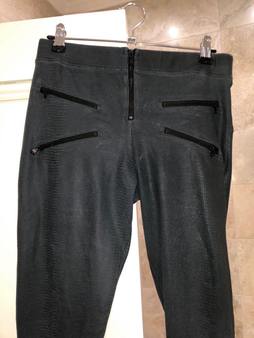 david lerner snake print leggings faded grey ,with zip front pockets
