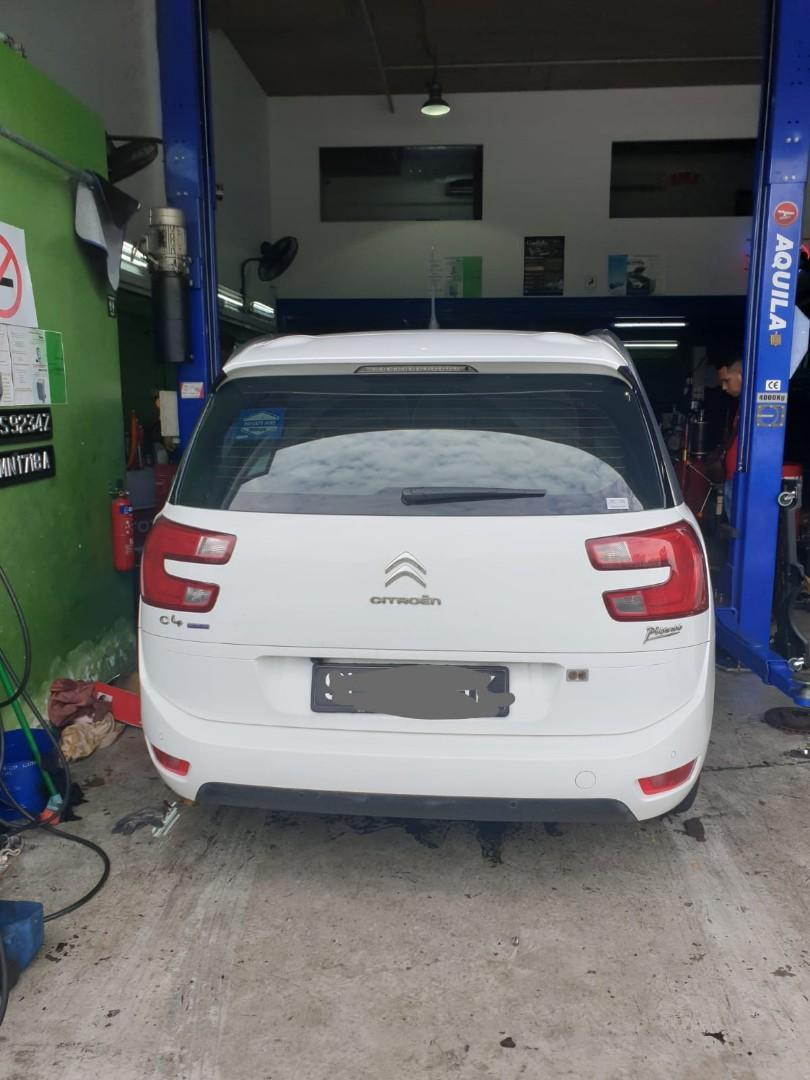 Diesel MPV Citroen Grand C4 Picasso (Grab & Gojek Ready)
