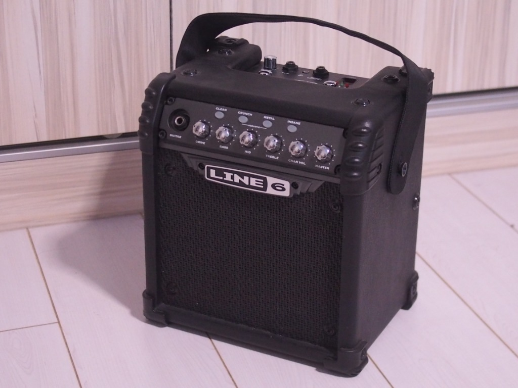 Line6 Micro Spider 6-Watt Battery Powered Guitar Amplifier, Music & Media, Music Accessories on Carousell