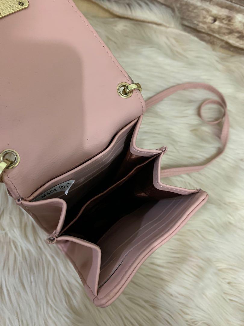Tas santai sling leather cantik mini 18 x 10 x 3 cm, kondisi 85% OK sedikit kotor pemakaian, import spanyol