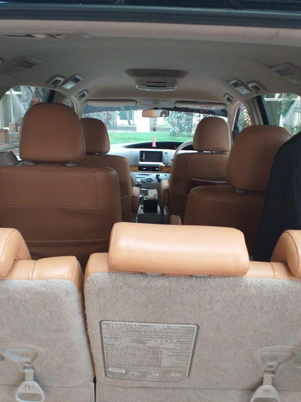 Toyota Estima for rent