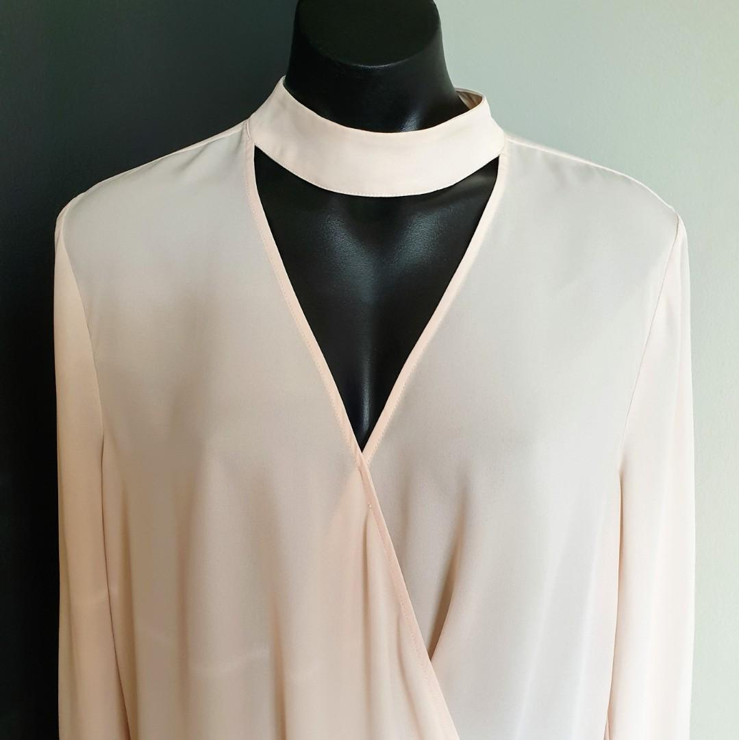 Women's size 14 ''PORTMANS' Stunning nude long sleeve overlapping blouse- AS NEW