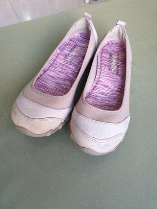 Sketchers Relaxed Fit Memory foam.  Used