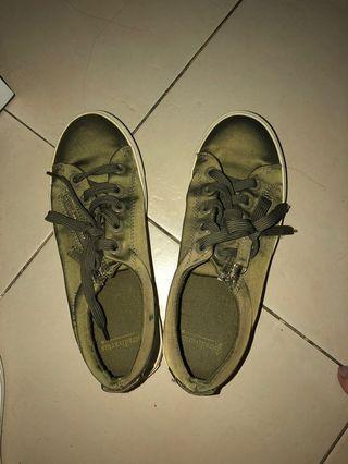 Stradivarius Sneakers Olive Green
