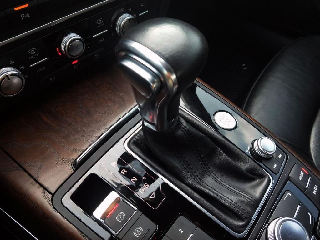 A6 3.0T QUATTRO 大改款 300匹馬力 智慧型恆時四傳 機械式增壓 配備更是不用多說 猛烈的貼背感