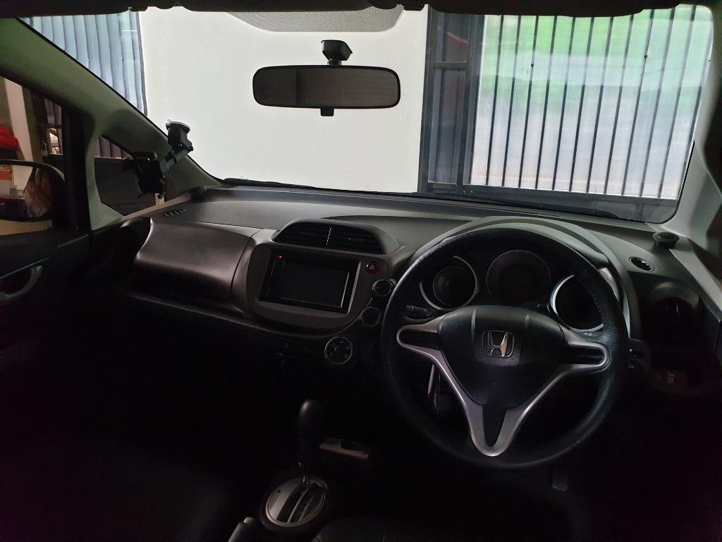 Honda Jazz S 2013 mulus, mesin halus, siap pergi luar kota