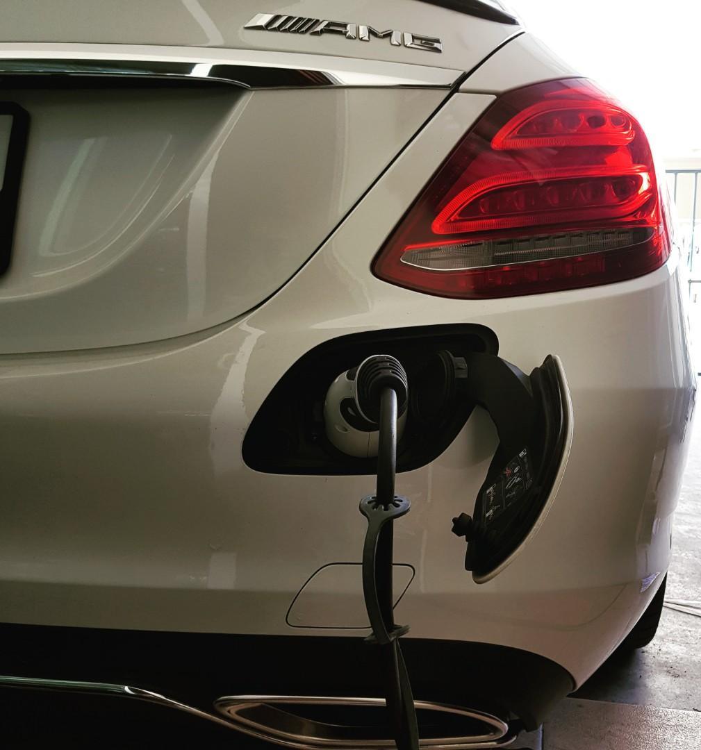 Mercedes-Benz C350 AMG hybrid dynamics Auto