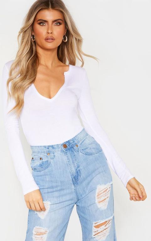 White Basic Plunge Long Sleeve Bodysuit PRETTY LITTLE THING