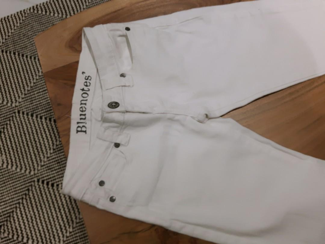 WHITE COTTON SKINNY JEANS SIZE 25- Comfortable never used