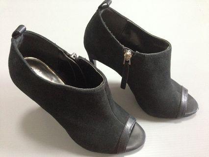 Harga NEGO! Mango Black Heels Boots