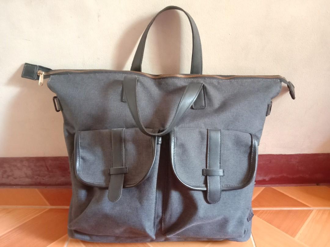 Rafe X Bench Messenger Bag Men S Fashion Bags Wallets Sling Bags On Carousell