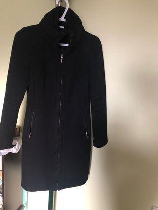 BLACK ZARA COAT (xs)