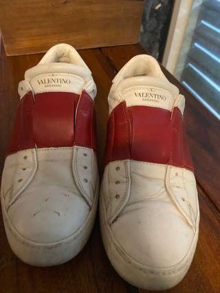 Valentino garavani 小白鞋